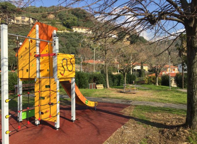 Lavori pubblici: completate le opere di riqualificazione di quattro parchi pubblici a Seravezza, Ripa e Pozzi