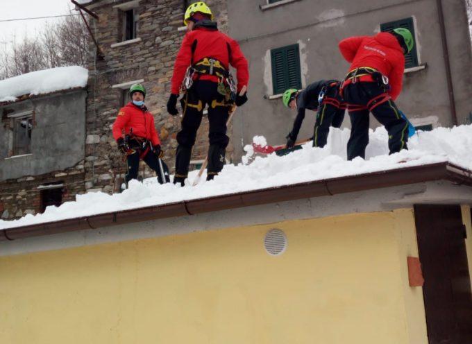 L'assessore Tovani ringrazia il Soccorso Alpino di Querceta