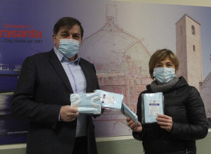 Emergenza Sanitaria: maxi donazione mascherine, 13 mila dispositivi da onlus Paolo Brosio e hair-stylist pietrasantini