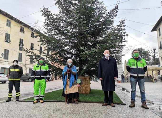La Befana distribuirà regolarmente i suoi regali anche a Lucca