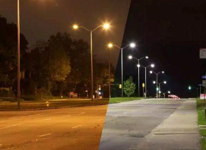 Lavori all'illuminazione pubblica in via del Brennero: