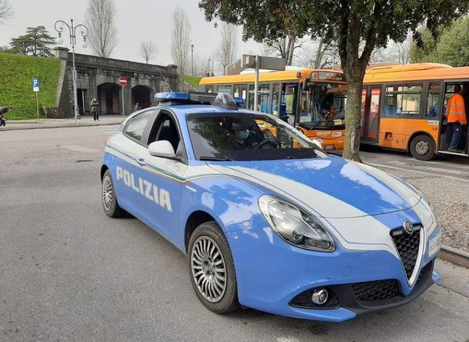 arrestato  un italiano, di 37 anni, per detenzione ed offerta di hashish a minori.