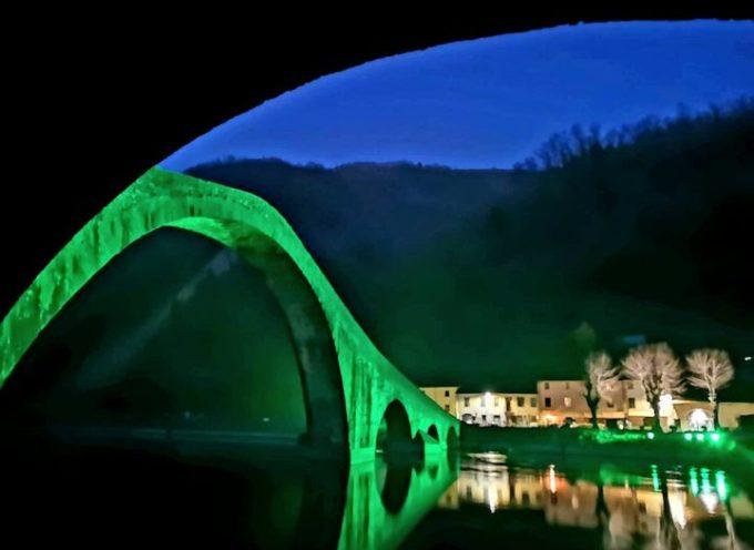 il Ponte del Diavolo in verde per la giornata mondiale delle malattie rare.
