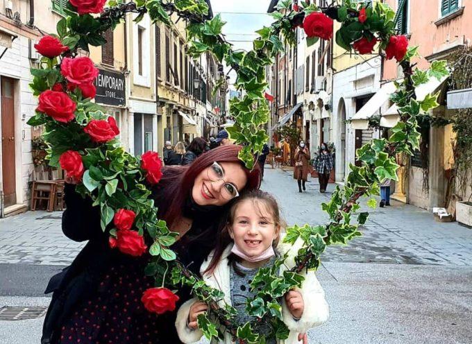Poesia e selfie d'amore risvegliano la Versilia in piena pandemia. Fioccano le adesioni al concorso fotografico-letterario del gruppo social GoVersilia!