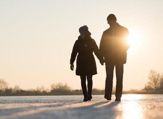 Perché dovresti camminare all'aperto anche se fa freddo