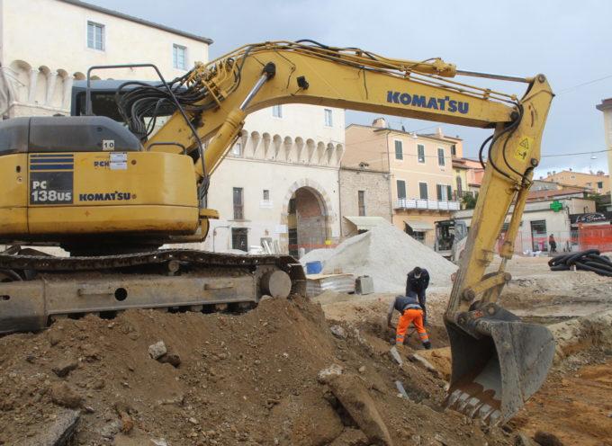 il cantiere di Piazza Carducci corre