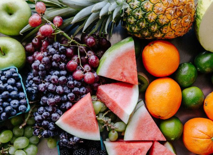 5 modi super freschi di mangiare la frutta in estate