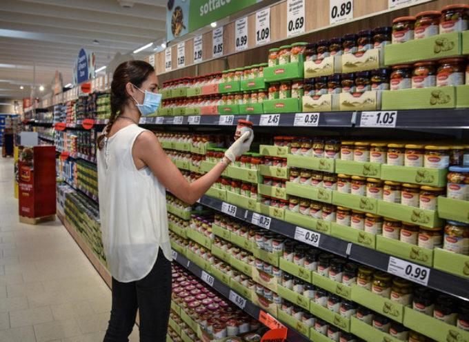 Crollo dei consumi in Italia: -10,9% nel 2020