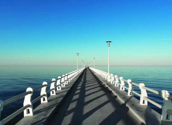 Illuminazione dei pontili di Camaiore, Pietrasanta e Forte dei Marmi per il 25 aprile