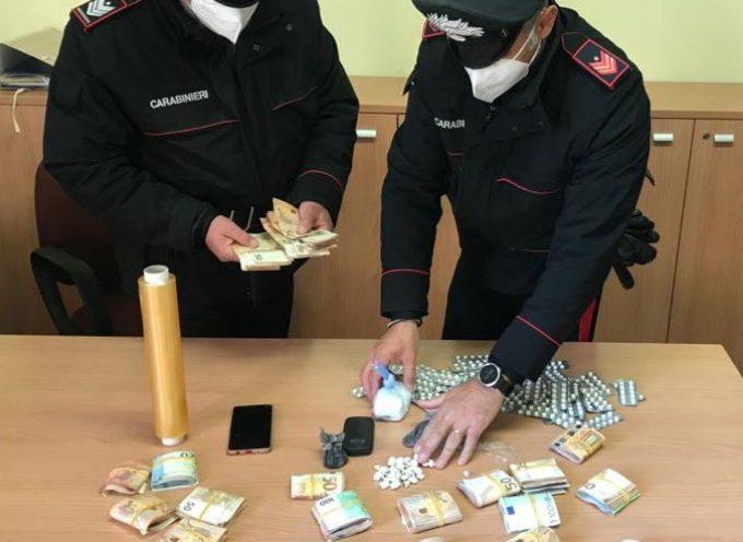 Lido di Camaiore: Casa dello spaccio, arrestato pusher. Sequestrati denaro e cocaina