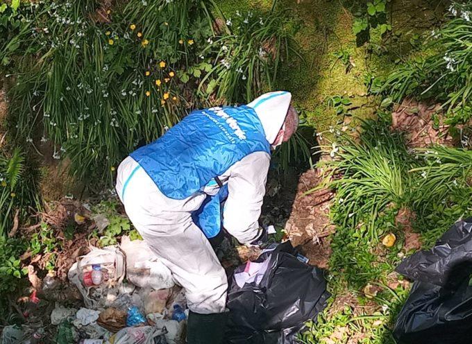 discarica di rifiuti agli ex Salesiani, intervengono comune, volontari e Carabinieri Forestali