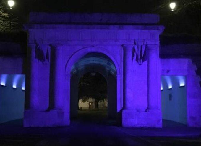 Da domani sera (2 aprile) fino al 6 aprile Porta Elisa sarà illuminata di blu.
