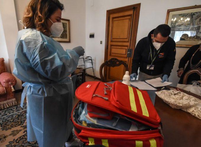 Come cambia la cura dei pazienti COVID a casa: le nuove linee guida del Ministero