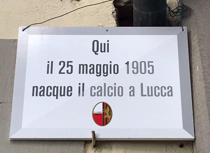 """Anniversario Lucchese, Difendere Lucca mette una targa in città: """"Comune ancora una volta assente"""""""