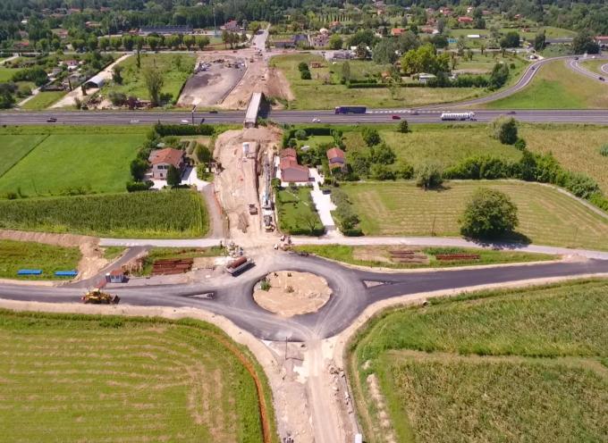 via Pisanica, i provvedimenti per consentire la collocazione nuovo cavalcavia autostradale