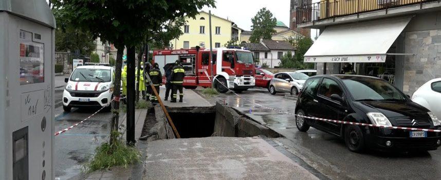 Crollo della copertura del fossato sotto la pista ciclabile di viale San Concordio: rimosse stamani le macerie