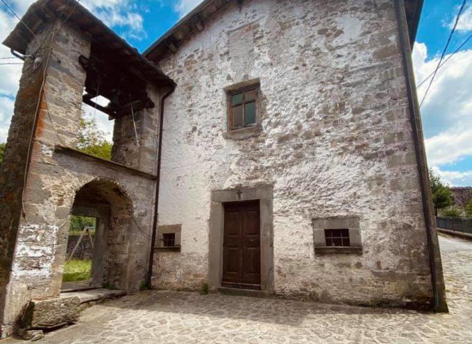 Naggio paese ai piedi della Fortezza delle Verrucole, sorse probabilmente in epoca romana.