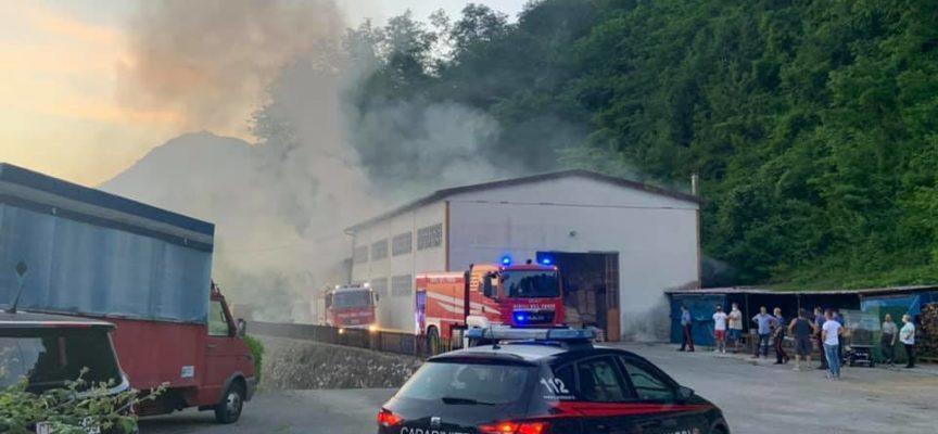 Castiglione di Garfagnana – ieri sera e' scoppiato un incendio, intorno alle 20, in un capannone privato in località Cigiana di Sopra,