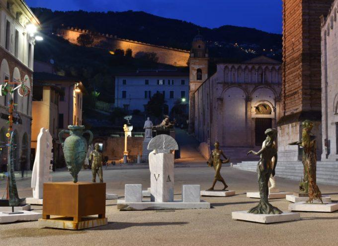 """""""La Piazza in Attesa"""" saluta, nel Chiostro la presentazione del catalogo della mostra che ha sfidato la pandemia"""