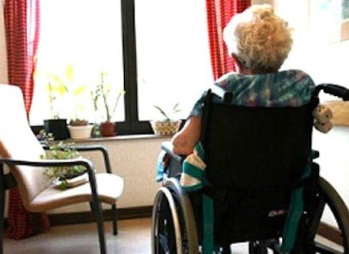 Persone non autosufficienti, approvata misura di sostegno a permanenza nella propria casa