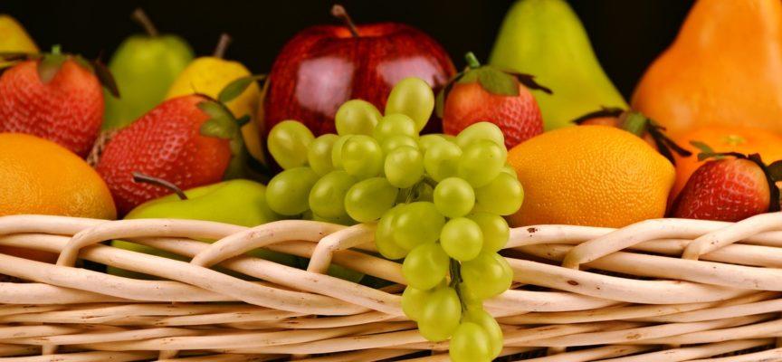 La nostra ossessione per frutta e verdura bella, grande e perfetta sta facendo collassare i piccoli agricoltori italiani