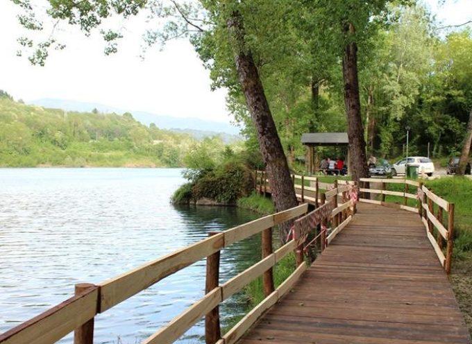 Il lago di Pontecosi: una passeggiata in Garfagnana in compagnia dell'elicriso