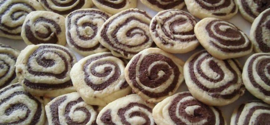 Le ricette facili: biscotti bianchi e neri.