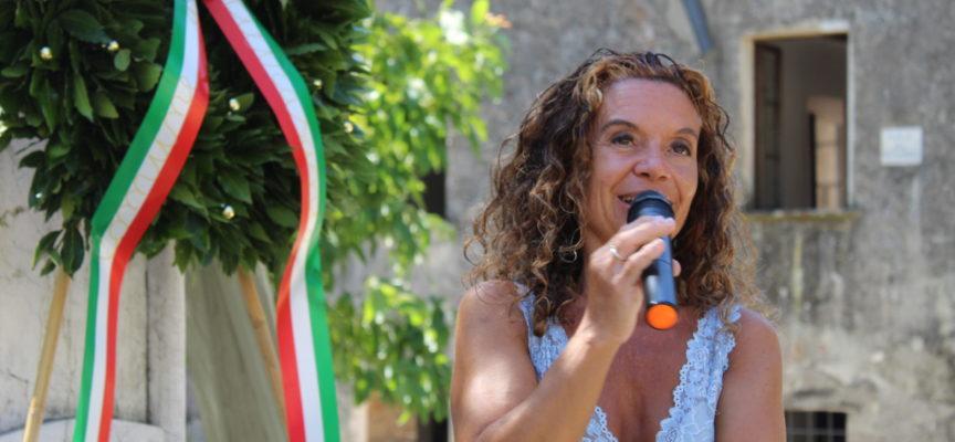 la poesia diventa spettacolo in Piazza Duomo,