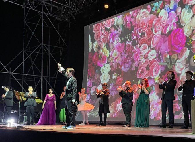 VILLA BERTELLI – Grande presenza di pubblico per la Soirée des Arts