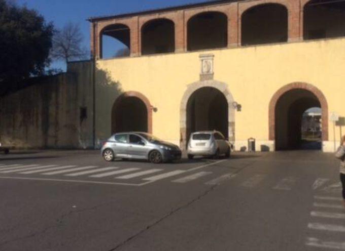 Resta chiuso al traffico fino al 18 ottobre il fornice in uscita di Porta Santa Maria: