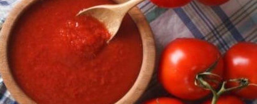 La salsa rossa. fatta dalla nonna