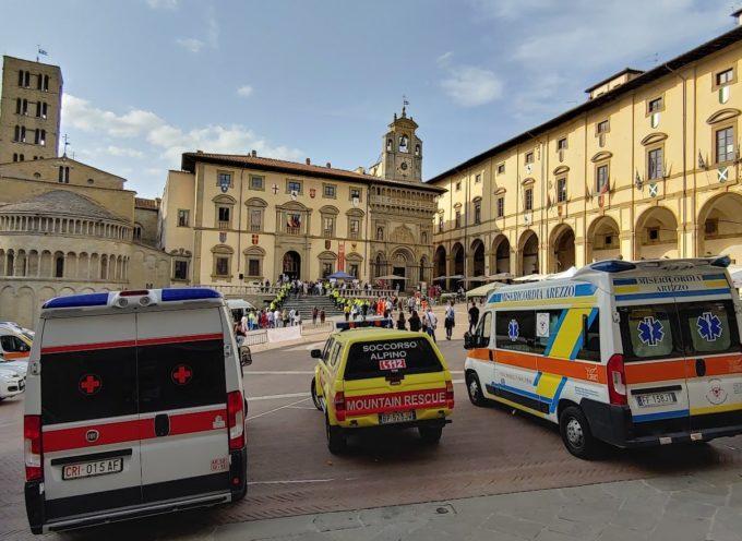 """il Soccorso Alpino Toscano è stato presente in Piazza Grande ad Arezzo per la prima edizione della manifestazione """"La Piazza della Salute"""","""
