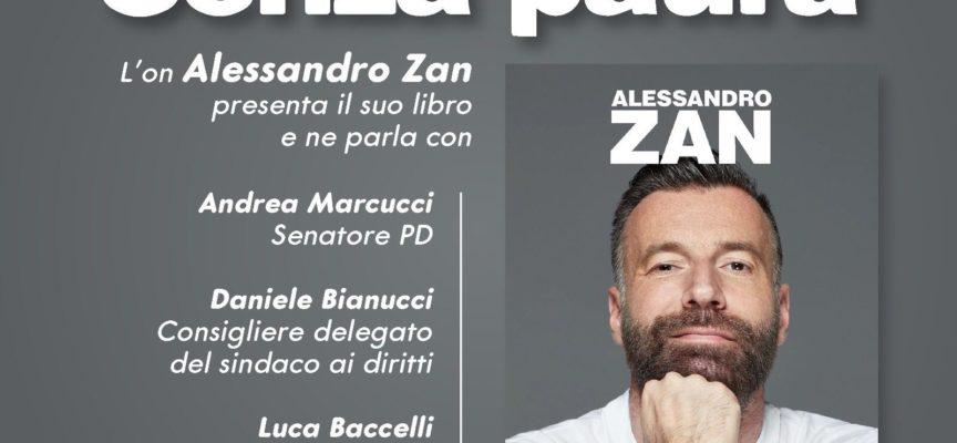 Alessandro Zan a Lucca per presentare il suo libro: