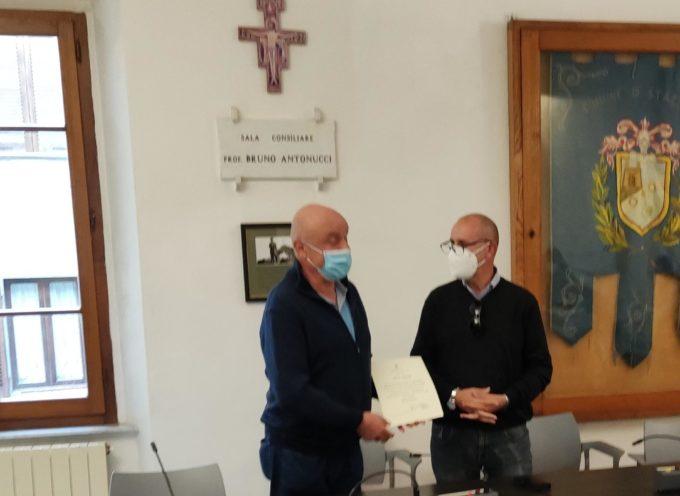 Festa per il pensionamento dell'istruttore direttivo Enzo Guidi