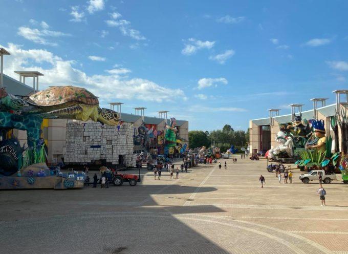 I giganti del Carnevale di Viareggio 2021 escono dalla Cittadella