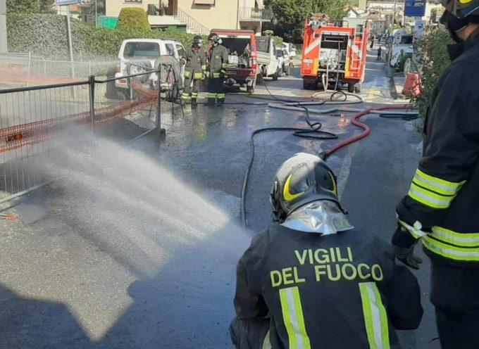 Riaperta a senso unico alternato con il semaforo , via Nicola Fabrizi a Castelnuovo di g.