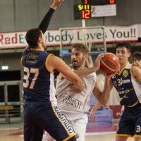 Il Basketball Club Lucca torna a giuocare tra le mura amiche del palasport, l'ospite di turno è l'Olimpia Legnaia,