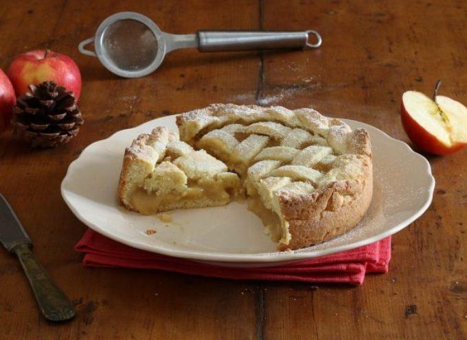 la Crostata cuor di mela: la ricetta del dolce friabile dall'interno cremoso