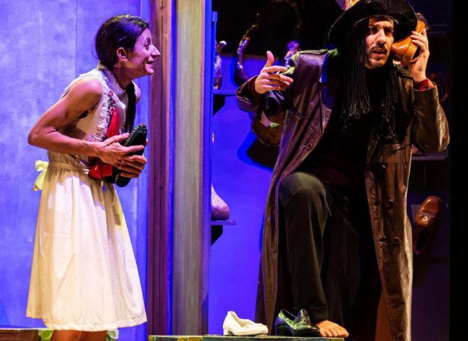 """Rass. Teatro Ragazzi la Fondaz. Sipario Toscana presenta """"Ecila, Alice a rovescio"""" alla Tenuta Dello Scompiglio a Vorno"""