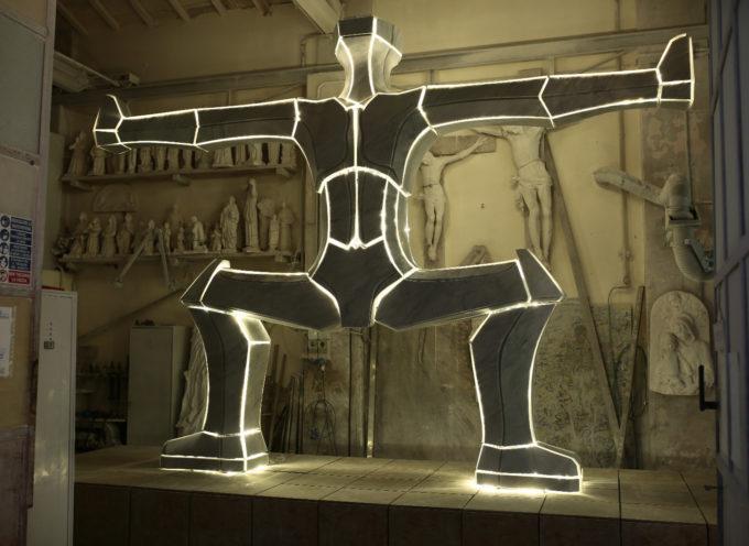 """Scultura: la monumentale """"Ego"""" di Choi Yoon Sook è pronta, sarà installata nella nuova rotonda di via Torraccia"""