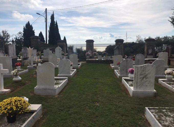 Commemorazione dei defunti: messa in streaming audio e cimiteri aperti con orario continuato, comune al lavoro in vista