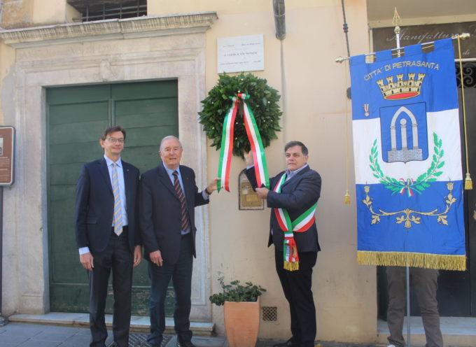 200 anni fa nasceva Padre Eugenio Barsanti, sindaco e Rotary depositano corona alla casa natale di via Mazzini