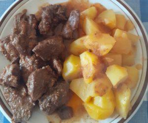 Cinghiale in umido. La ricetta tradizionale toscana gustosa per tutte le stagioni