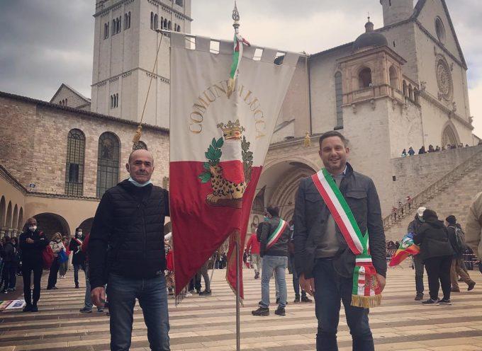 Anche il Comune di Lucca ha partecipato con una delegazione ufficiale alla marcia Perugia Assisi